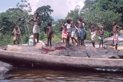 Surinam River alle menesker her, stammer fra slaver fra Afrika