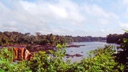 Surinam River ved Djomogo falls
